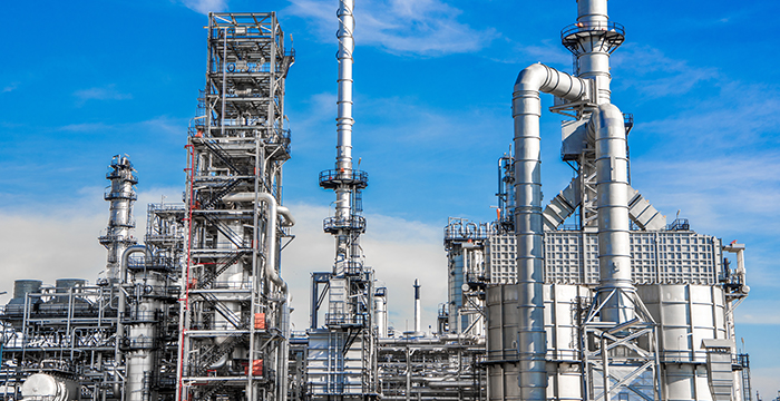 Industrial oil refinery plant